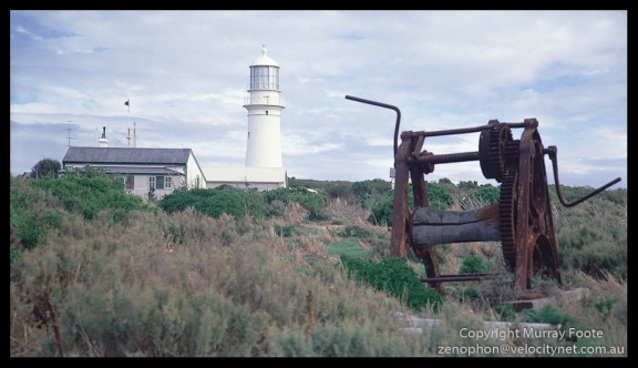 Althorpe-Is-Lighthouse-with-old-winch-Edit