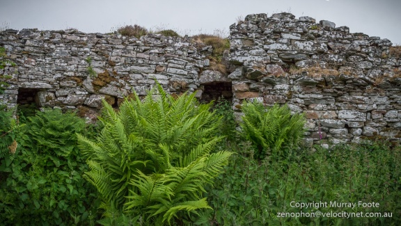 he entrance and the doorway to the stairs from inside the broch