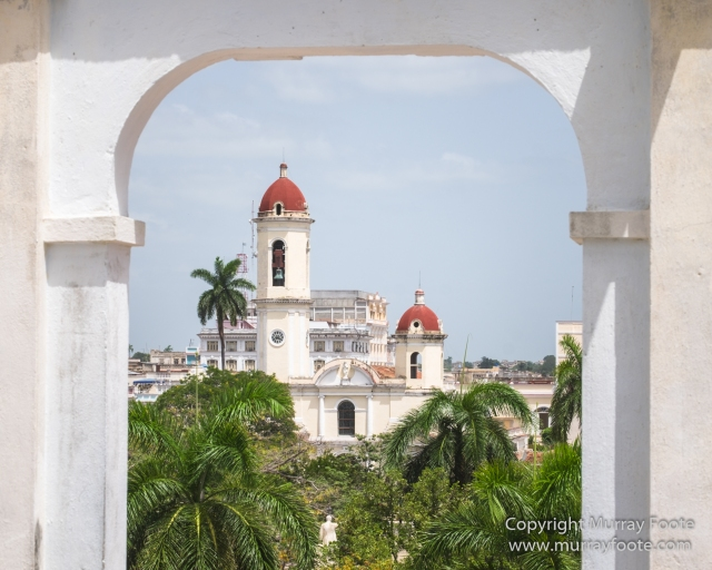 Architecture, Cars, Cienfuegos, Cuba, Horses, Live Music, Photography, Street photography, Travel